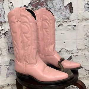Vintage powder pink leather cowboy boots 8 M